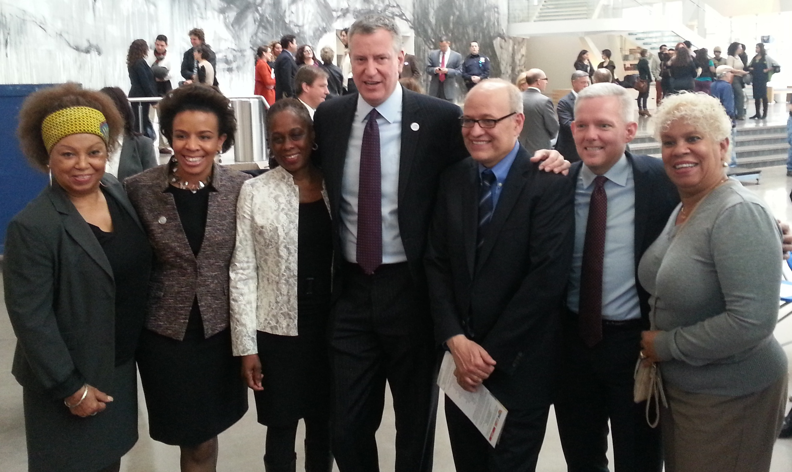 Mayor de Blasio, First Lady Chirlane de Blasio, Tom Finkelpearl, Councilmembers Jimmy Van Bramer & Laurie Cumbo. Photo by